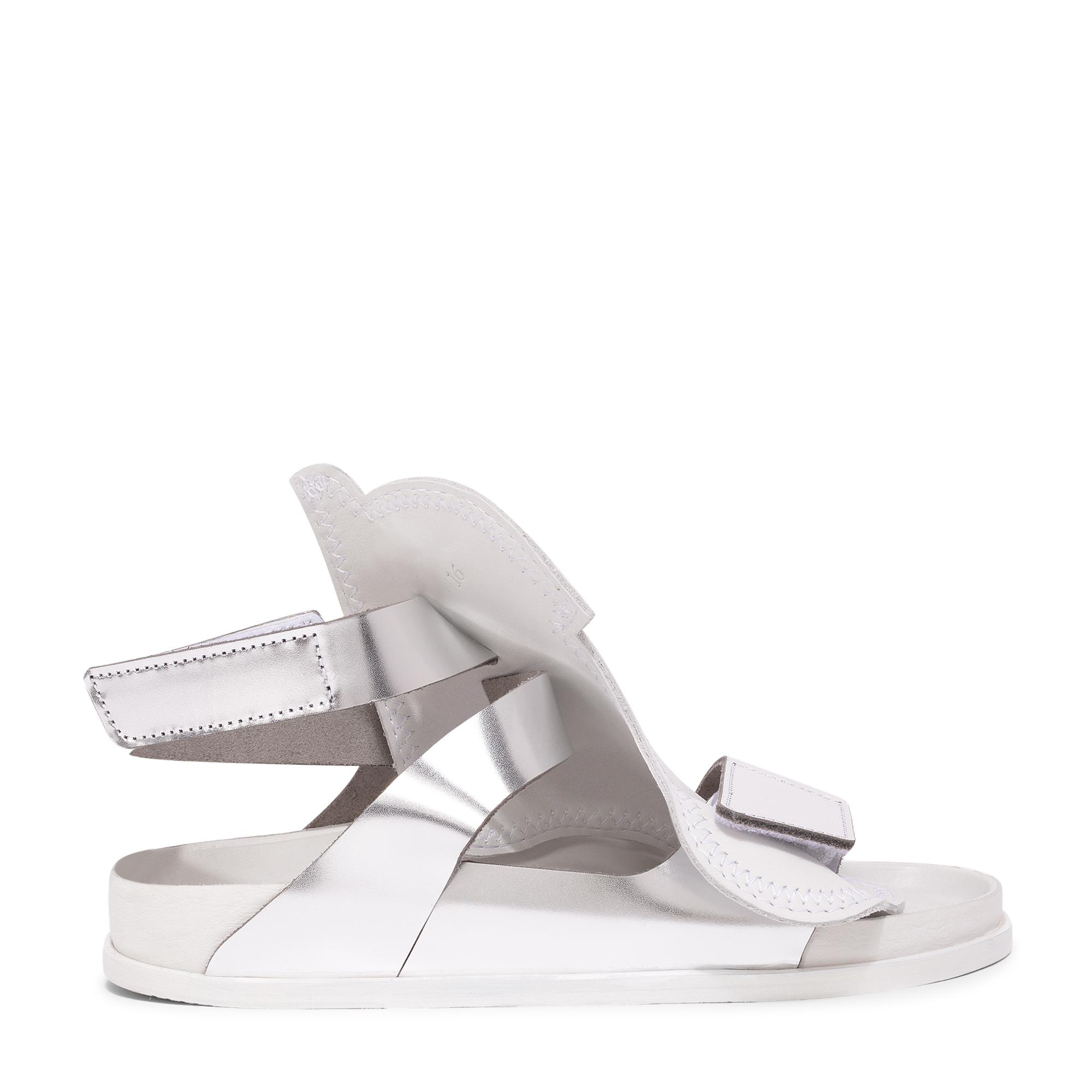 x CSM Bukarest sandals
