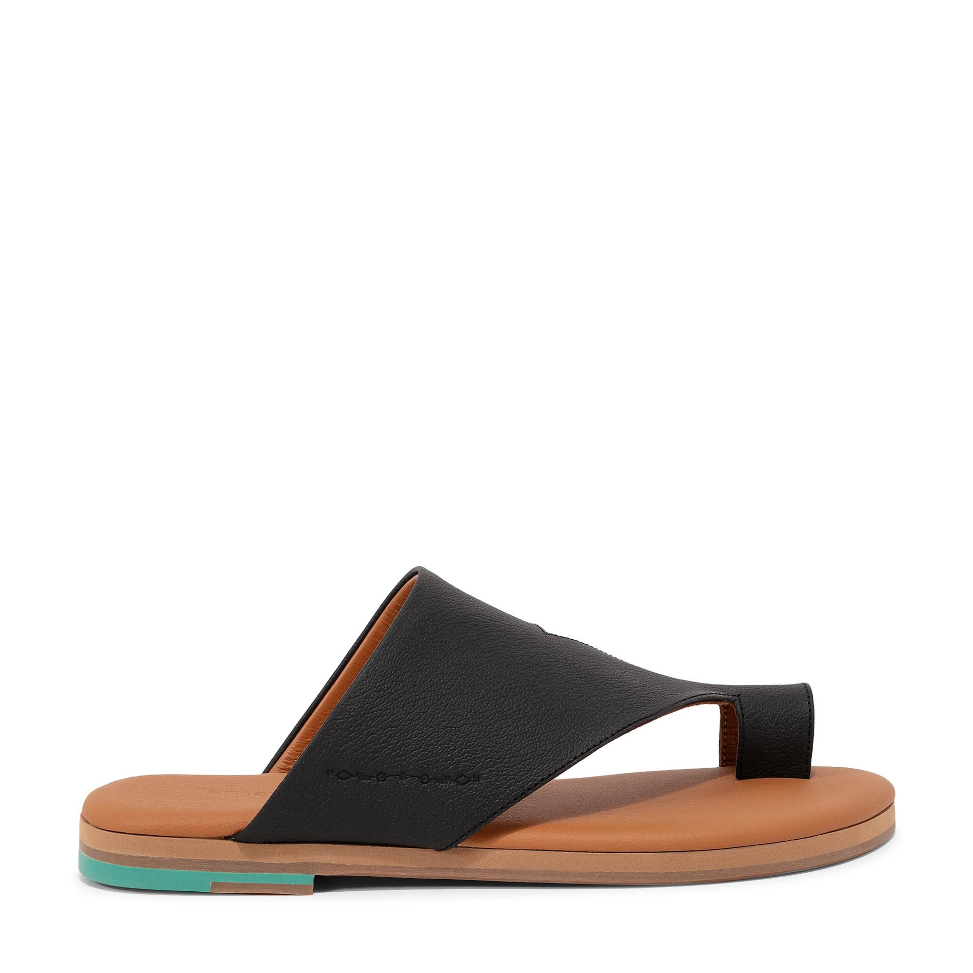 Waaw sandals