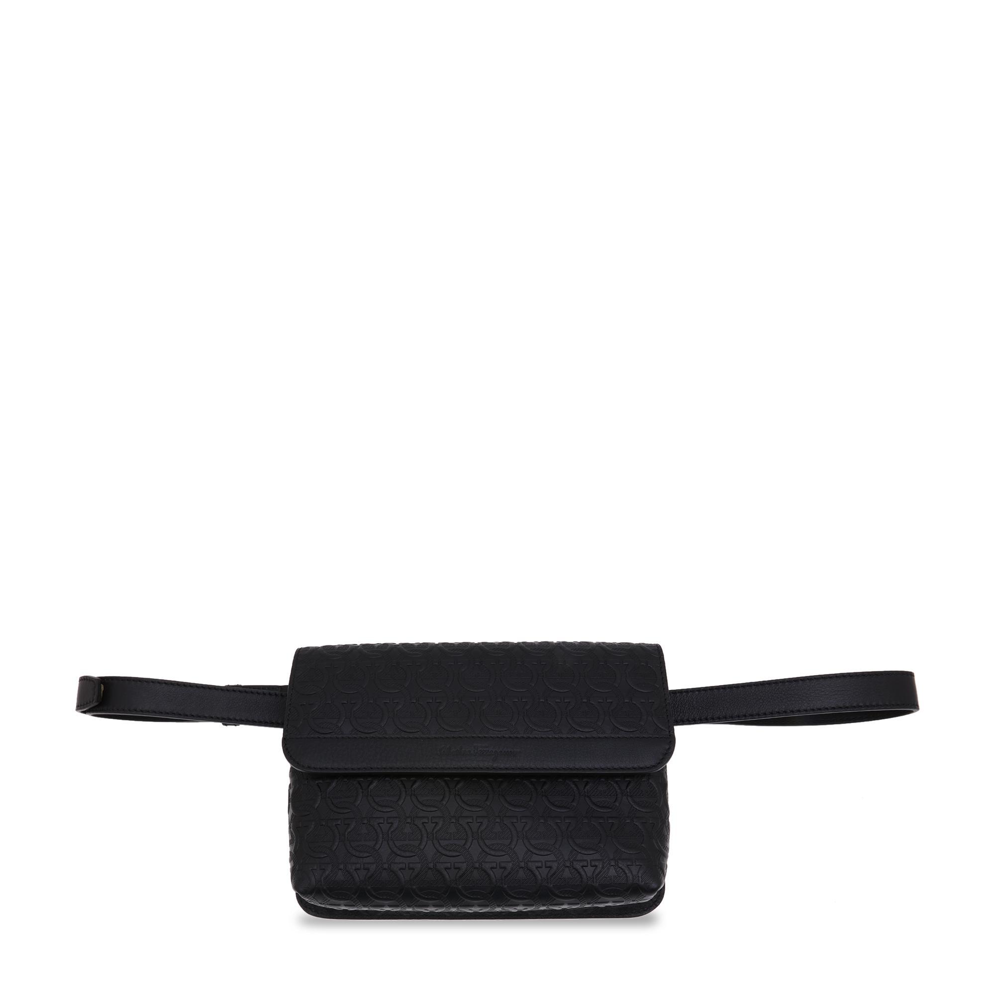 Travel belt bag
