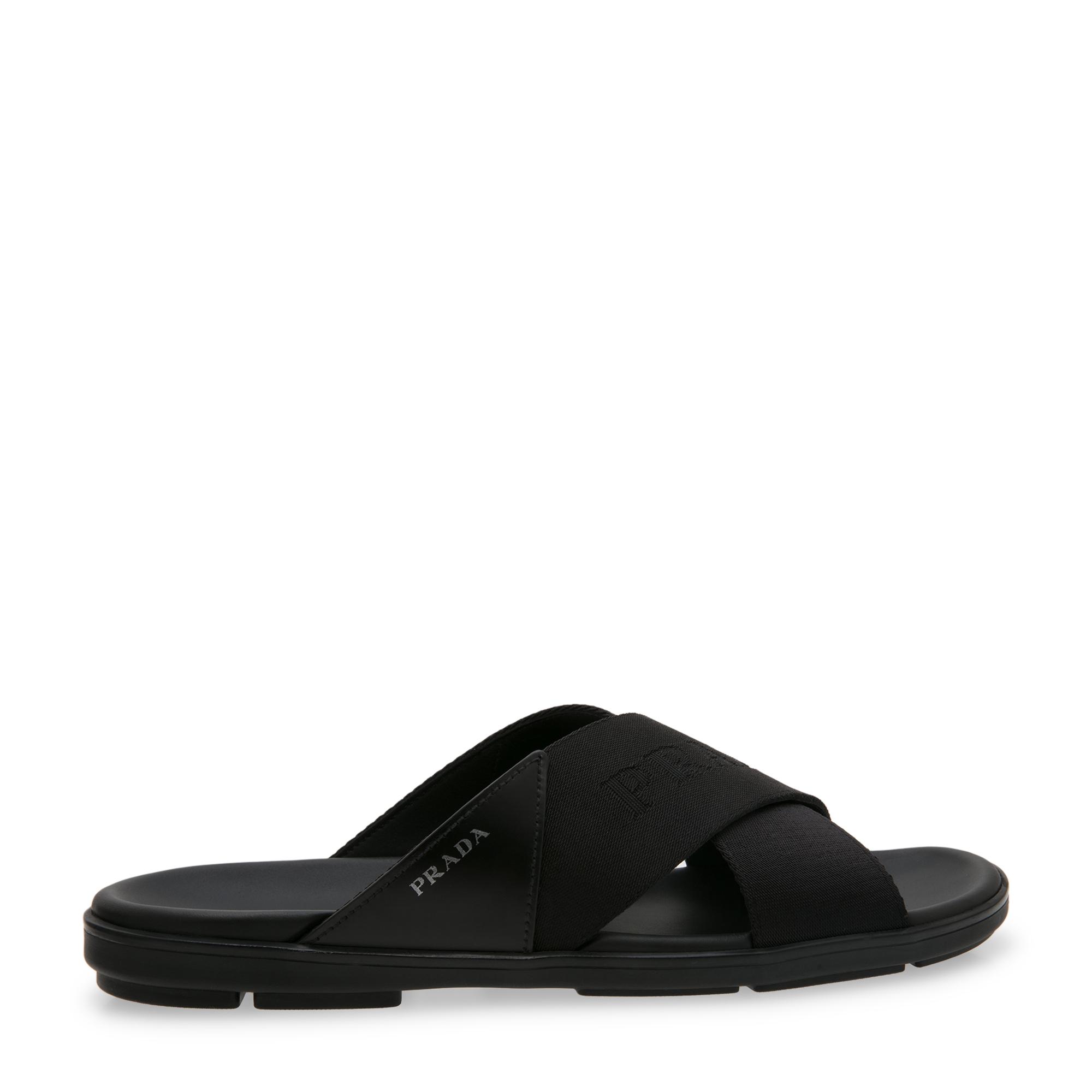 Cross-over sandals