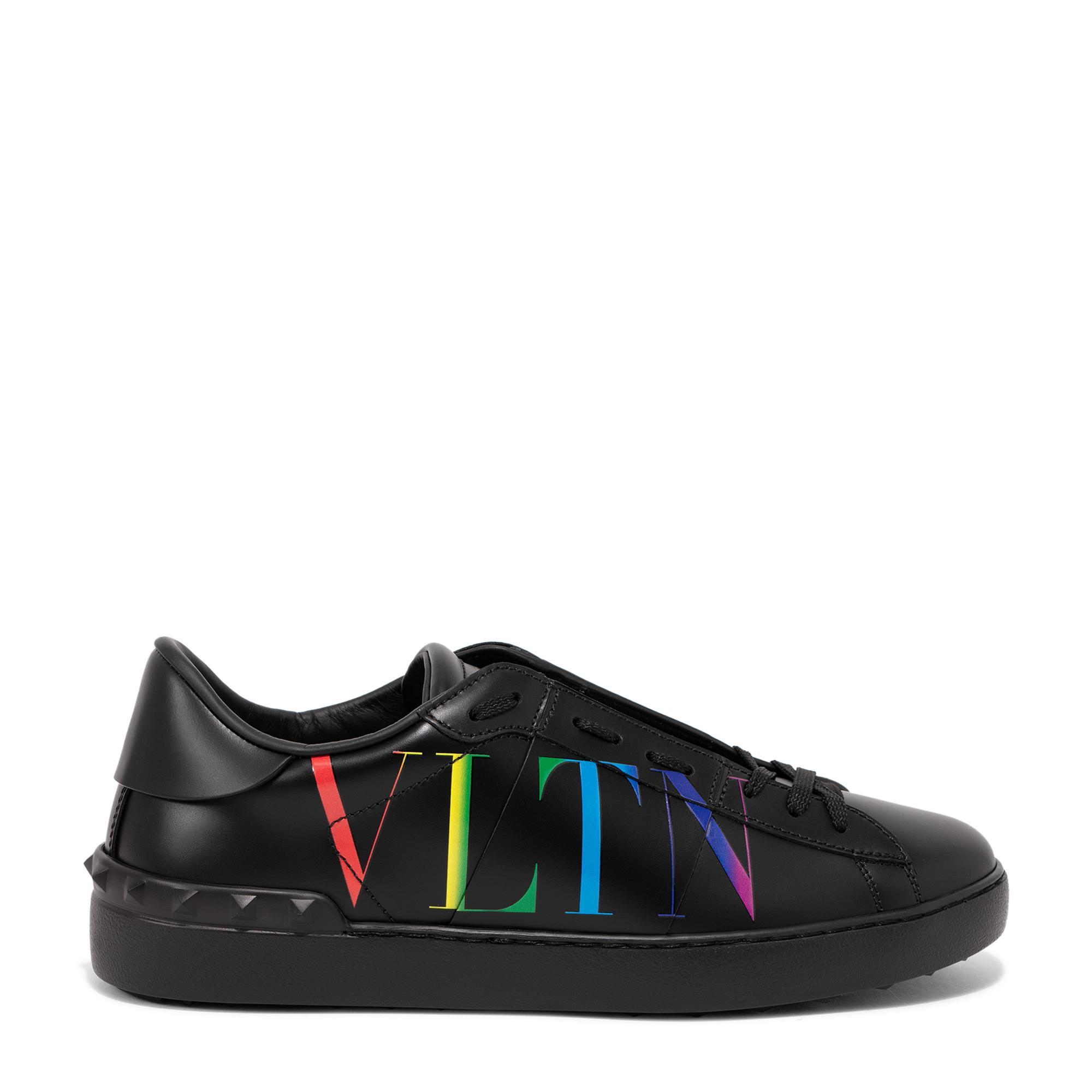 Open sneakers